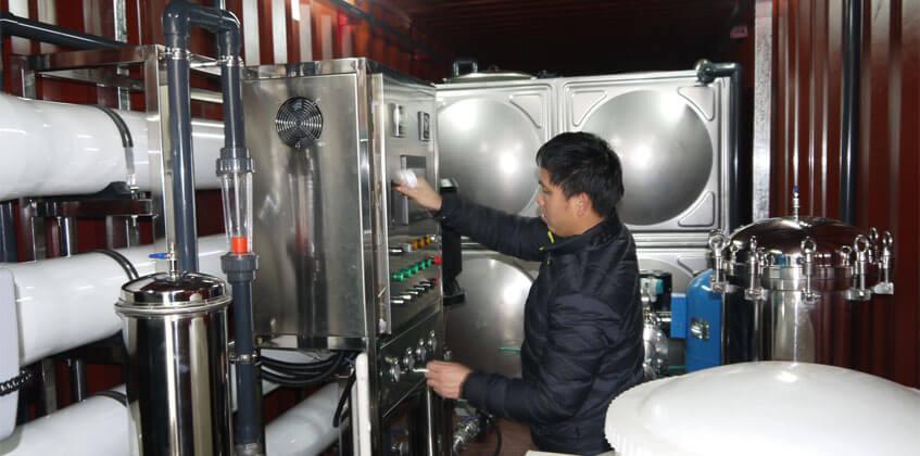 desalination plant cost